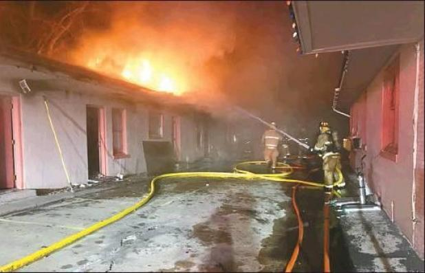 Early Morning Fire Destroys Apartments