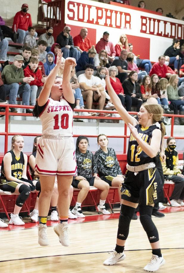 Girls Get Win At Home Over Dickson; Lose 2 Road Games