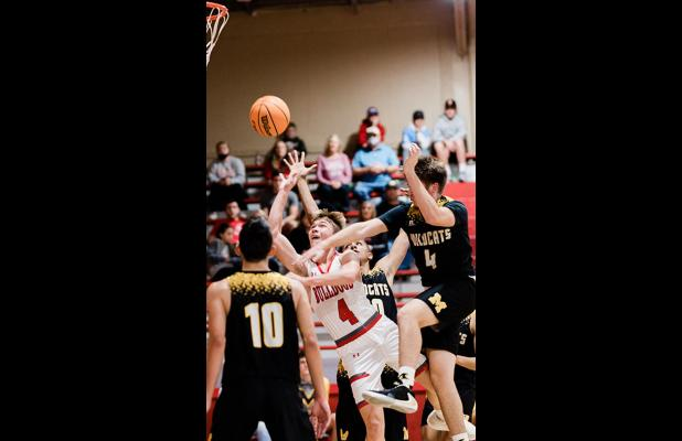 Dogs Down Dickson, Lose To Madill, Kingston In Week's Slate Of Games